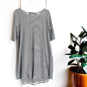 knot sisters classic striped shift dress